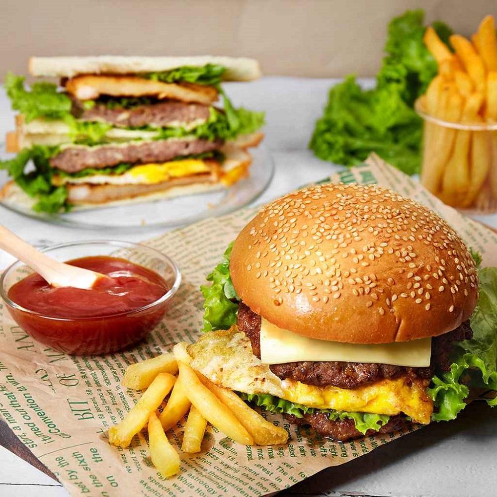 hamburger và khoai tây rán