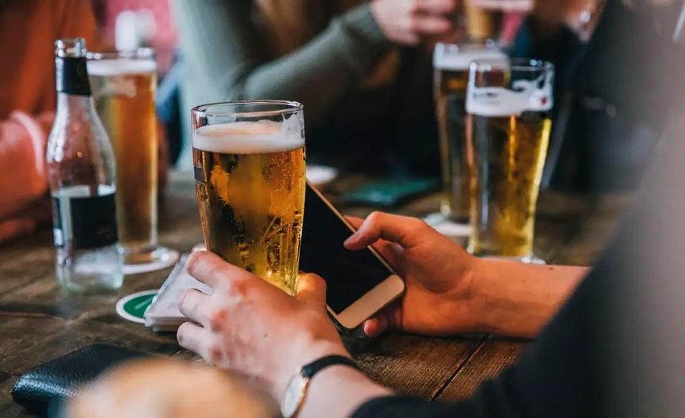 uống bia ảnh hưởng đến cơ bắp
