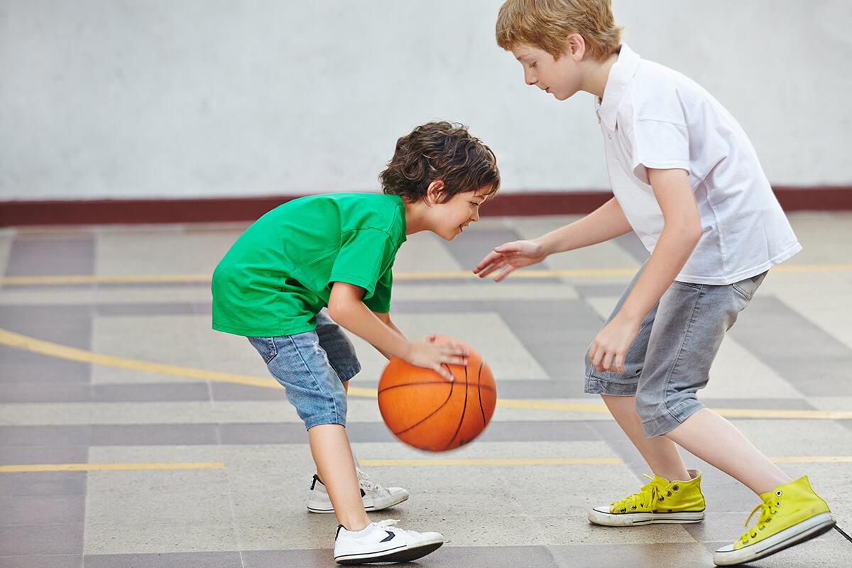Những thực phẩm nên bổ sung cho trẻ trước khi tập bóng rổ