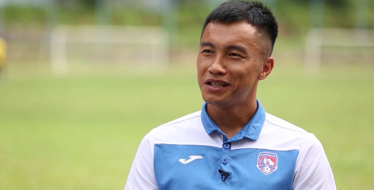 Tiền vệ Phạm Nguyên Sa gia nhập CLB SHB Đà Nẵng